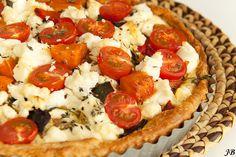 Ingrediënten:- 1 rode en 1 gele paprika- 1dl olijfolie- 1 middelgrote aubergine, in blokjes van 4 cm- 1 kleine zoete aardappel, geschild en in blokjes van 3 cm- 1 kleine courgette, in blokjes van 3 c