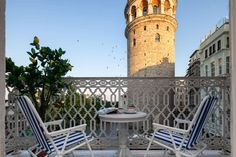ARTIST'S APT with balcony at GALATA. Istanbul.