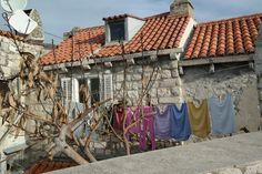 dubrovnik 성벽투어 중에 만난 빨래.. 언젠가부터 크로아티아하면 빨래 너는 풍경이 같이 떠오른다^^