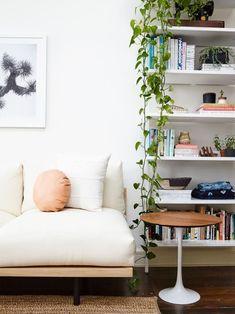 Tour a Couple's Hip New York Apartment | HGTV - #Apartment #Decorating #ApartmentDecorating