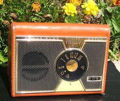 "Vintage 50's Philco seven transistor radio-""T75-124""-leather case w/strap-works"