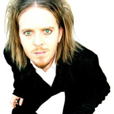 Tim Minchin 1975 (*source unknown) - Australian-British comedian, actor and musician, best known for his unique brand of musical comedy.