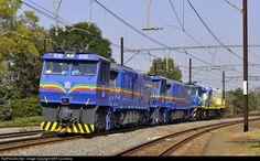 Net Photo: CC 1101 RRL Grindrod South Africa RRL Grindrod Diesel at Boughton - Pietermaritzburg - KwaZulu Natal, South Africa by SAR Connecta South African Railways, Choo Choo Train, Kwazulu Natal, Locomotive, Locs, Diesel, Legends, Track, Around The Worlds
