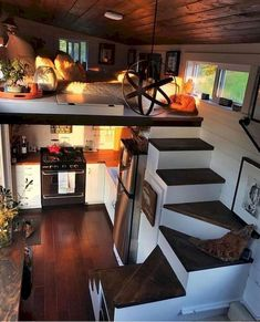 Good Loft Stair for Tiny House Decor Ideas - Ma Home Design Tiny House Loft, Tiny House Living, Tiny House Plans, Tiny House Design, Home And Living, Tiny Houses, Rv Living, Living Rooms, Tiny Little Houses
