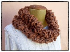 Made by me Diy Scarf, Crochet Bags, Tricot, Yarns, Scrappy Quilts, Strands, Crochet Purses, Crochet Clutch Bags, Crocheted Bags