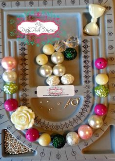 In this tutorial you will learn how to: Layout your beads to design Use spacers String a Necklace Use Crimp Tubes Use Wire Guards Use Toggles Complete a necklac