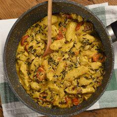 Kurací šalát s jablkami | Tajomstvo mojej kuchyne Paella, Ethnic Recipes, Food, Meal, Essen, Hoods, Meals, Eten