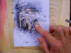 Comment faire un transfert de photo sur un support avec du vernis colle Il suffit de photocopier une image(en noir et blanc ou en couleur), de la découper et de l'enduire côté imprimé d'une couche de vernis colle, le même que l'on utilise pour le collage de serviettes. J'utilise un pinceau brosse assez large ou un pinceau mousse. Attention, l'image sera inversée: si vous voulez transférer du texte, pensez à imprimer en miroir!