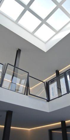 Winterstein Strasse Tramdepot wird Penthouse   Industrial elegance- Industrie chic Galerie mit Stahl und Kristallglas Geländern Voutenbeleuchtung, skylight harryclark colour4design