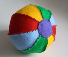 Tutorial to make your own felt ball toy- so easy and cute!
