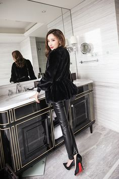 1000+ images about Leggings & Trousers on Pinterest | Latex, Shiny ...