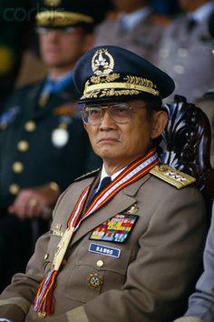Philippine Constabulary Gen. Fidel V. Ramos