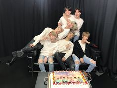 Find images and videos about kpop, bts and jungkook on We Heart It - the app to get lost in what you love. Seokjin, Kim Namjoon, Jung Hoseok, Suga Rap, Bts Bangtan Boy, Bts Jimin, Jhope, Taehyung, Foto Bts