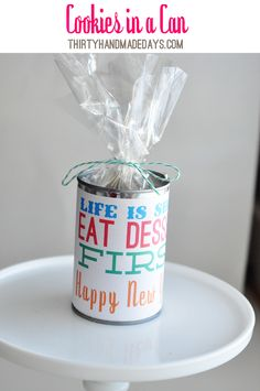 Cute gift idea for cookies with a free printable label. via @Mique Mendioroz Provost