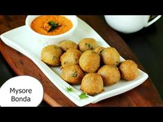 Mysore bonda recipe - Crispy fried snack with soft & fluffy texture. Mysore bonda are a popular snack item served in tiffin centers in Karnataka. Indian Snacks, Indian Food Recipes, Vegetarian Recipes, Snack Recipes, Diabetic Drinks, Snack Items, Homemade Shampoo, Mysore, Recipe Link