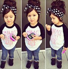 kyllä pikkusetkin voi olla tyylikkäitä((= yes,little girls can be stylish too((=