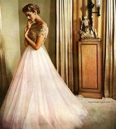 Vintage tulle (Carmen Dell'Orefice by Genevieve Naylor for Harper's Bazaar, April 1951)
