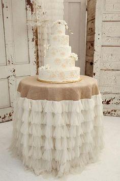 Ivory Petals and Burlap Tablecloth - via Etsy. love the cake and burlap tablecloth Chic Wedding, Our Wedding, Dream Wedding, Wedding Rustic, Wedding Burlap, Table Wedding, Ivory Wedding, Trendy Wedding, Wedding Details