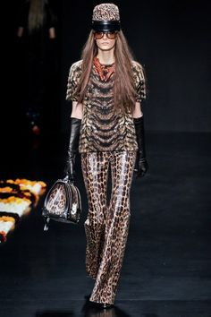 See the complete Roberto Cavalli Fall 2012 Ready-to-Wear collection.