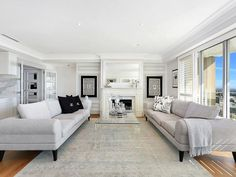 Die Hamptons, Hamptons Style Homes, Color Schemes Colour Palettes, Living Room Color Schemes, Living Roon, Living Room Decor, Living Area, Modern Properties, Room Colors