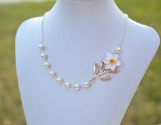 White and Yellow Daffodil Asymmetrical Necklace. Free by Diaszabo