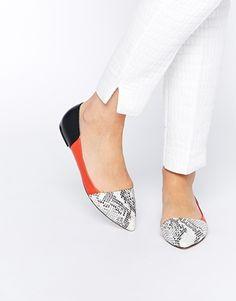 Faith Aden Snake Effect Asymmetric Flat Shoes