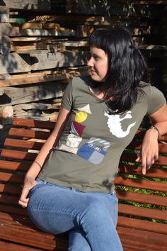 Tričko Komu straší ve věži vel.M SLEVA z 245!!! Nové tričko Janina s doma našívaným obrázkem, originál. 100% bavlna. Vel. psaná 36, ale připadá mi větší.