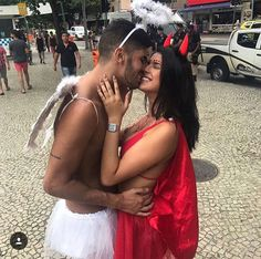 Ph se tu não usar vai morrer Halloween Carnival, Halloween Costumes For Girls, Halloween Dress, Couple Halloween, Couple Costumes, Carnival Fantasy, Fantasy Party, Classy Couple, Fiesta Outfit