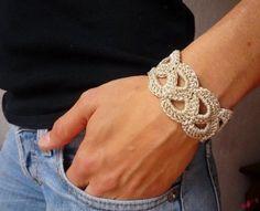 70 ΙΔΕΕΣ ΓΙΑ ΠΛΕΚΤΑ ΚΟΣΜΗΜΑΤΑ ΜΕ ΒΕΛΟΝΑΚΙ - Ιδέες για όλα Bracelet Crochet, Crochet Accessories, Jewelry Art, Crochet Projects, Bracelets, Diy And Crafts, Jewelry Making, Knitting, My Style
