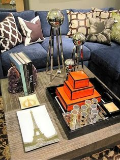great way to arrange a coffee table