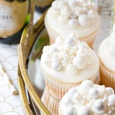 Bubbly Champagne Cupcakes with Champagne Buttercream Champagne Cupcakes, Cupcake Frosting, Buttercream Frosting, Cupcake Cakes, Moist Cupcakes, Yummy Cupcakes, Eat Dessert First, Dessert Bars, Cupcake