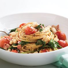 Enjoy garden-fresh spinach and tomatoes all tangled up in whole-grain noodles and just one pot to wash tonight.