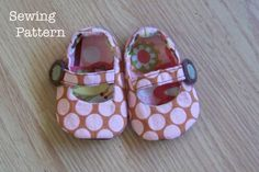 Reversible Mary Jane's Baby Girl Shoes PDF SEWING PATTERN. Baby Clothing Sewing Pattern.