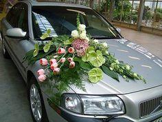 car decoration for wedding in delhi Wedding Fur, Floral Wedding, Wedding Blog, Wedding Colors, Wedding Planner, Wedding Car Decorations, Flower Decorations, Bridal Car, Flower Chart