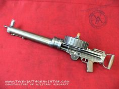 illogical, but kinda steampunk Light Machine Gun, Machine Guns, Steampunk Weapons, Weapon Concept Art, Fire Powers, Military Aircraft, Military Weapons, Assault Rifle, Guns And Ammo