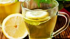 Detox To Lose Weight, Weight Loss Detox, Healthy Detox, Healthy Life, Healthy Living, Drinking Hot Lemon Water, Cranberry Juice Detox, Lemon Water In The Morning, Lemon Benefits