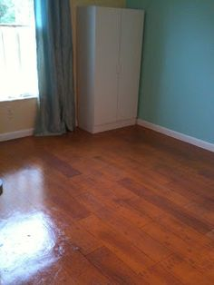 LinsArtwork: Painting a wood floor on concrete