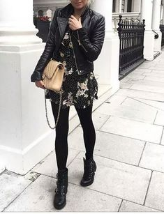 Take a look at the best what to wear with moto leggings in the photos below and get ideas for your outfits! 30 modi di indossare i leggings in inverno Image source Mode Outfits, Trendy Outfits, Fashion Outfits, Womens Fashion, Fashion Trends, Edgy Fall Outfits, Fashion Tights, Club Outfits, Girly Outfits
