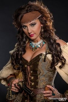 Steampunk girls with nice curves Pirate Garb, Pirate Wench, Pirate Woman, Lady Pirate, Pirate Cosplay, Steampunk Pirate, Steampunk Cosplay, Steampunk Fashion, Bodice