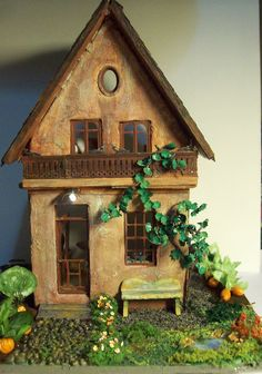 quarter scale dollhouse by fortislandminiatures