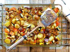 Ovenschotel met gegrilde groenten, krieltjes, kippendij en mozzarella