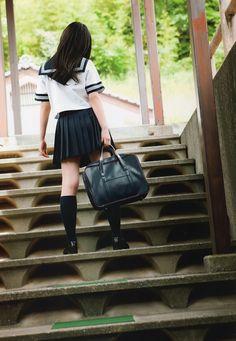 http://hpseifuku.tumblr.com/post/146967127305/suzuki-airi-2013-sotsugyou-2010-2013-pb