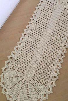 Crochet Doily Rug, Crochet Cushion Cover, Crochet Placemats, Crochet Bikini Pattern, Crochet Table Runner, Crochet Cushions, Filet Crochet, Diy Crafts Crochet, Crochet Home