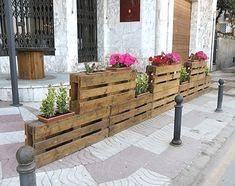 20 Cheap Ideas with Wooden Pallets - Inspiring Outdoor Spaces - Wooden Pallet Furniture, Wooden Pallets, Pallet Wood, Recycled Pallets, Recycled Wood, Pallet House, Ways To Recycle, Diy Pallet Projects, Wood Projects