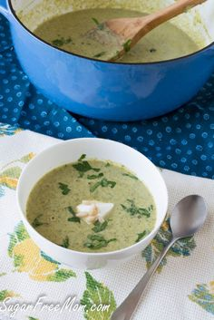 Creamy Cream-Less Broccoli Soup #dairyfree #lowcarb #glutenfree/ sugarfreemom.com