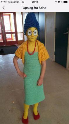 Strikket/hæklet Marge Simpson kostume