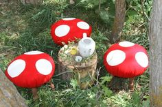 DIY Toadstools for Fairy Garden Tea Party Fairy Tea Parties, Tea Party, Dollar Store Crafts, Dollar Stores, Diy Design, Mushroom Stool, Mushroom Art, Diy Y Manualidades, Fairy Birthday Party