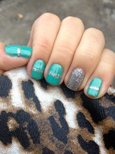 Its because I think too much: Glitter Stripe + Accent Manicure
