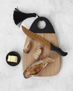 Tabla de Quesos y cuchillo de madera de Pajapan por ONORA+ Wooden cheese board and knife from Pajapan by ONORA