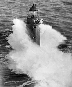 Google Image Result for http://www.lighthouse.cc/minots/snowwave.jpg